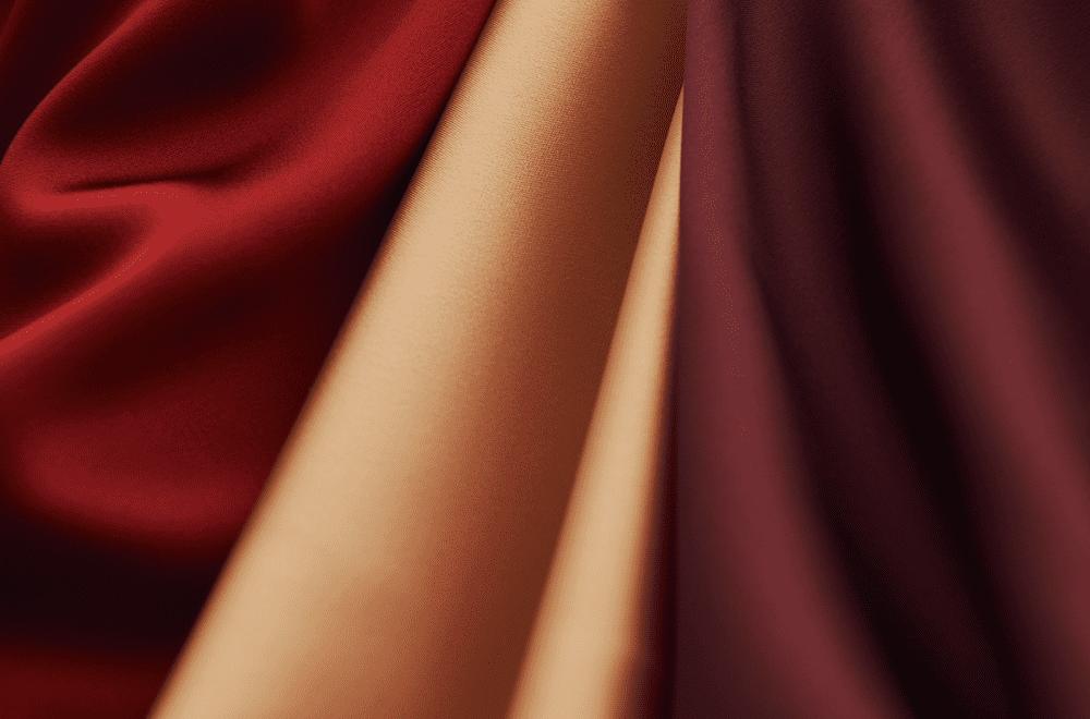 サテン系の布
