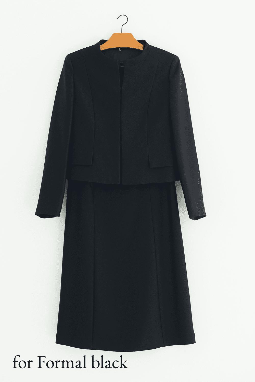 女性用上質な黒色の礼服